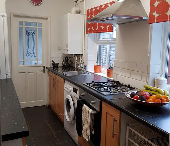 Luton-Luxury-Serviced-Accommodation---Ferndale-House-Apartments-Near-Kenilworth-Road-Stadium---Urban-Stay-1