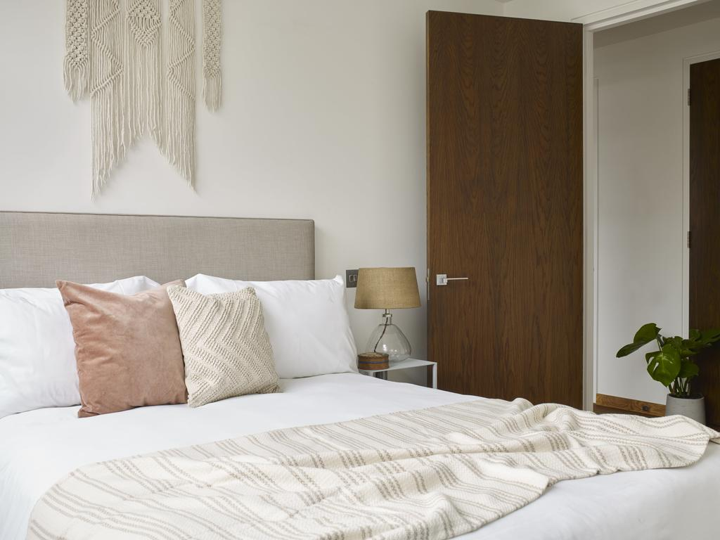 Luxury-Accommodation-Camden---Camden-Town-Apartments-Near-London-Zoo---Urban-Stay-8