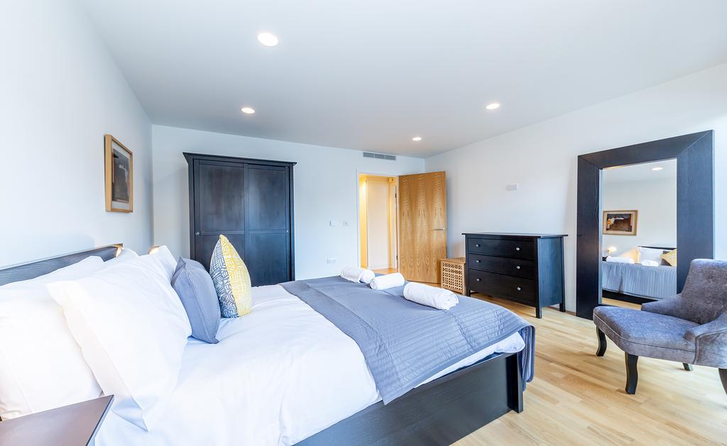 Luxury-Accommodation-Camden---Lux-Regents-Park-Apartments-Near-London-Zoo---Urban-Stay-24