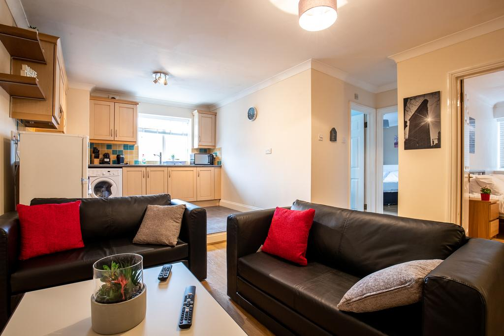 Luxury-Accommodation-Stansted-Mountfitchet---Castle-Walk-Apartments---Urban-Stay-1