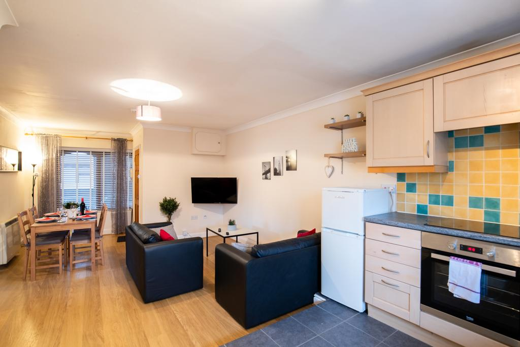 Luxury-Accommodation-Stansted-Mountfitchet---Castle-Walk-Apartments---Urban-Stay-10