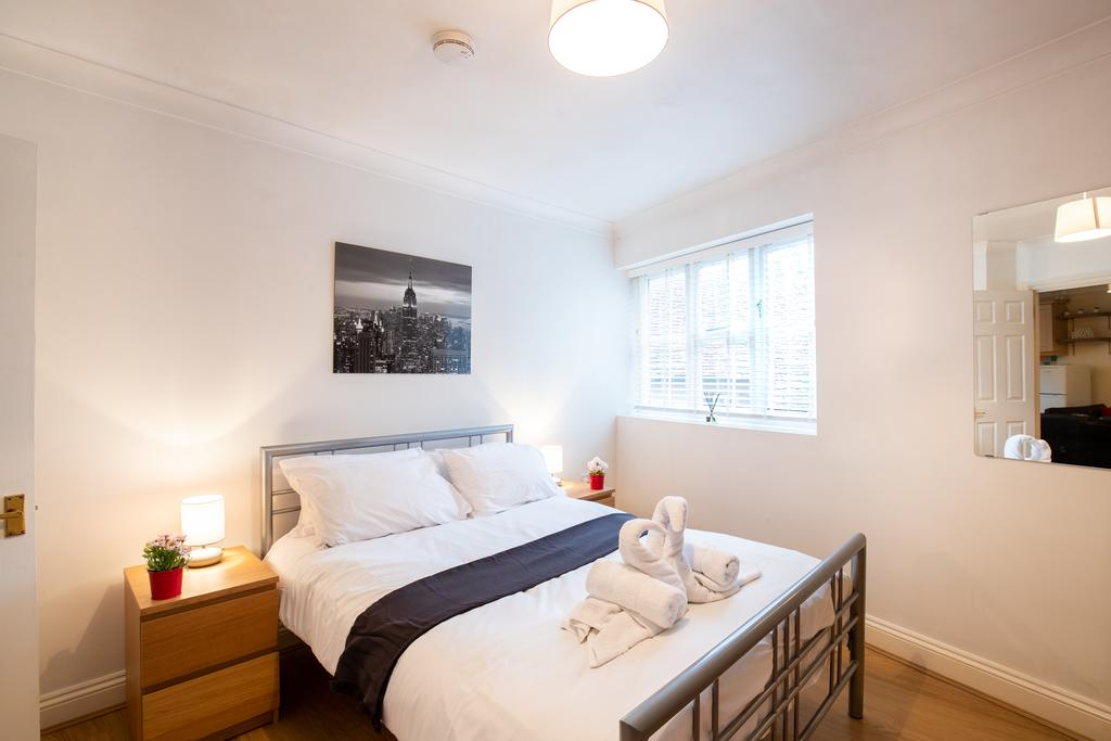 Luxury-Accommodation-Stansted-Mountfitchet---Castle-Walk-Apartments---Urban-Stay-11