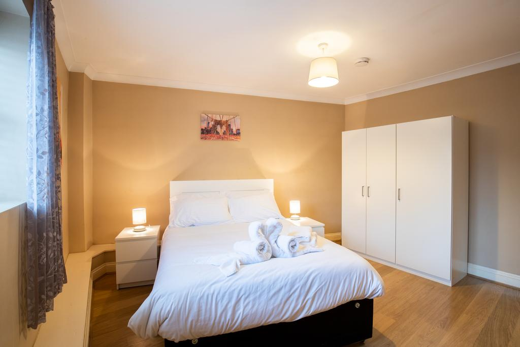 Luxury-Accommodation-Stansted-Mountfitchet---Castle-Walk-Apartments---Urban-Stay-5
