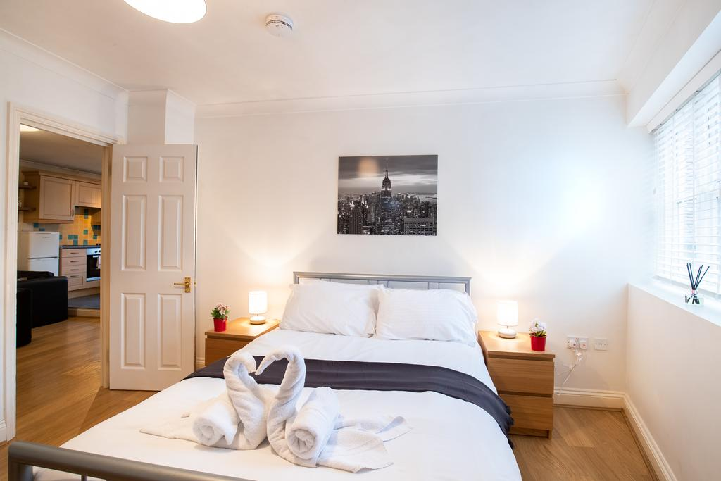 Luxury-Accommodation-Stansted-Mountfitchet---Castle-Walk-Apartments---Urban-Stay-9