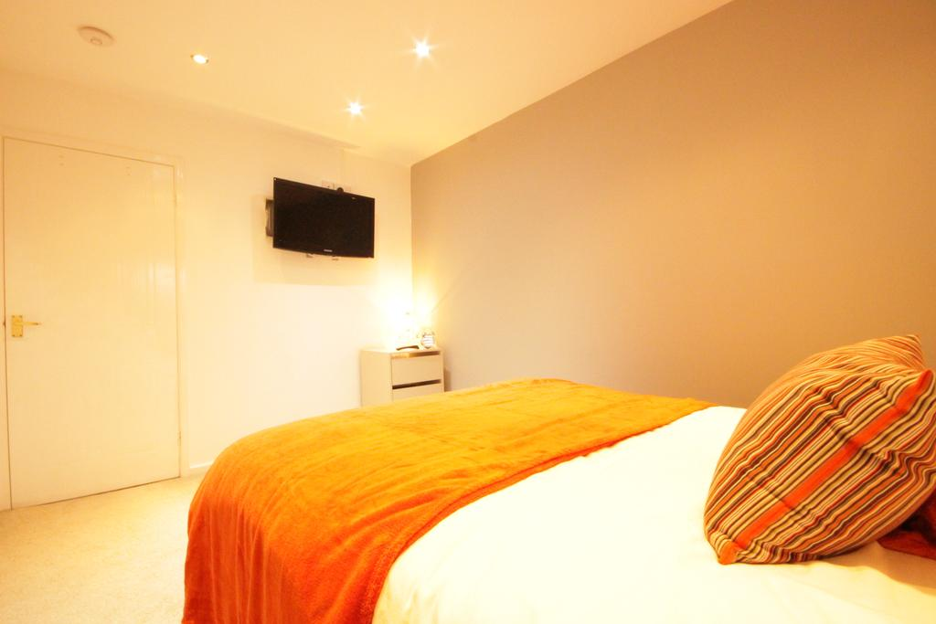 Luxury-Apartments-Hull---Victoria-house-Apartment-Near-Hull-New-Theatre---Urban-Stay-17