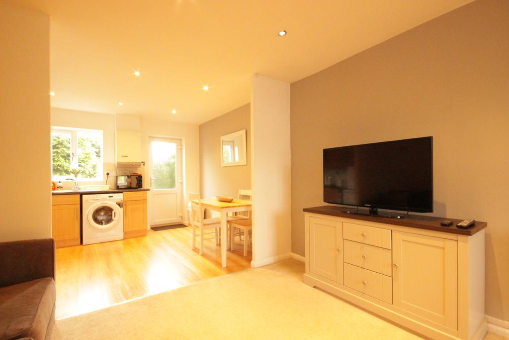 Luxury-Apartments-Hull---Victoria-house-Apartment-Near-Hull-New-Theatre---Urban-Stay-18