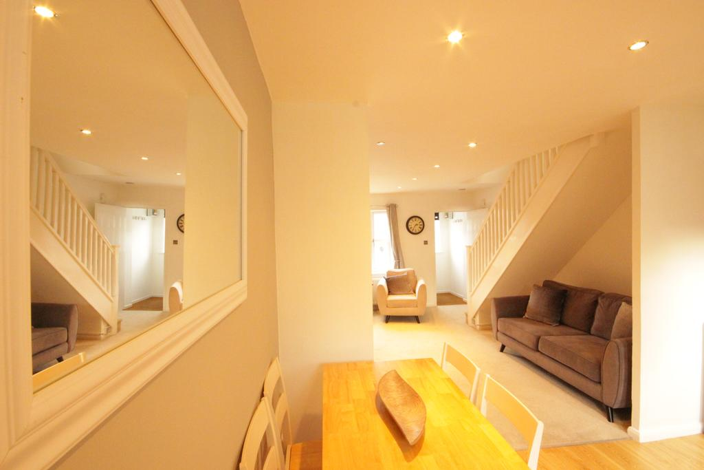 Luxury-Apartments-Hull---Victoria-house-Apartment-Near-Hull-New-Theatre---Urban-Stay-5