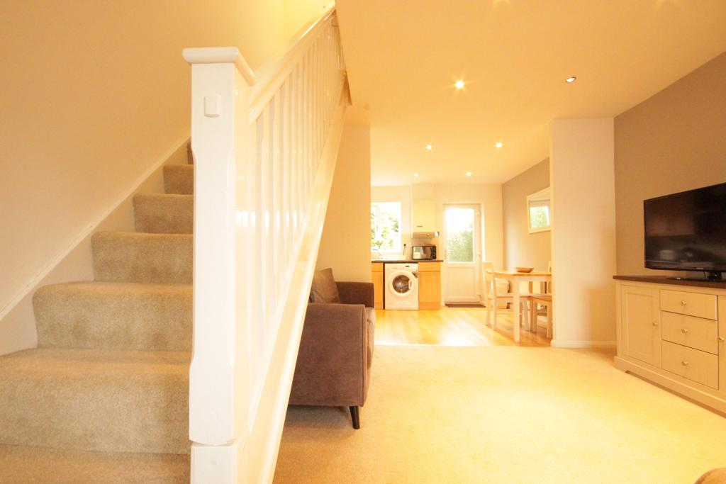 Luxury-Apartments-Hull---Victoria-house-Apartment-Near-Hull-New-Theatre---Urban-Stay-8