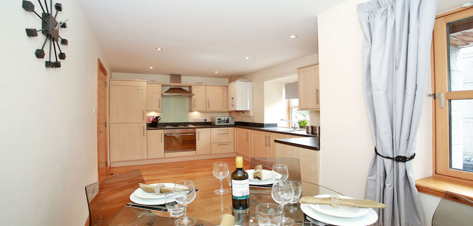 Luxury-Corporate-Accommodation-Aberdeen---Willowbank-Road-Apartments-Near-Robert-Gordon-Campus--Urban-Stay-4