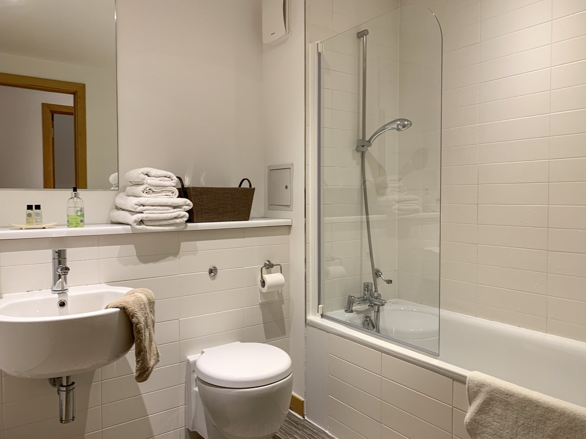 Luxury-Corporate-Apartments-Glasgow---College-Apartments-Near-Glasgow-Central-station---Urban-Stay-11