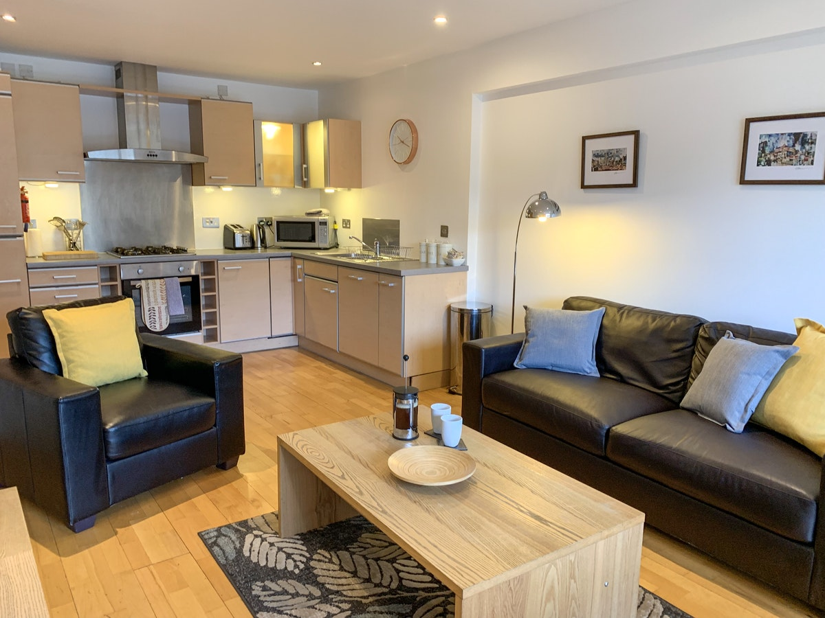 Luxury-Corporate-Apartments-Glasgow---College-Apartments-Near-Glasgow-Central-station---Urban-Stay-7