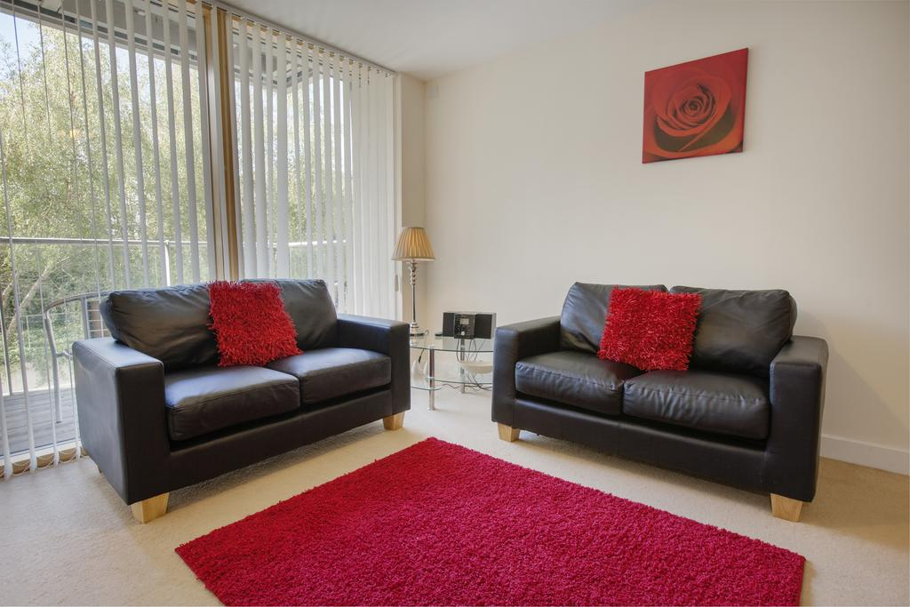 Milton-Keynes-Self-catering-Apartments---South-Vizion-Apartments-Near-The-MK-Shopping-Centre---Urban-Stay-10