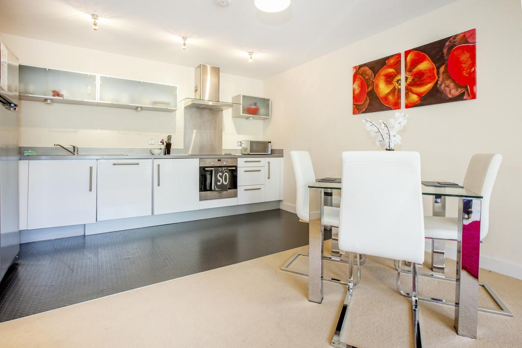 Milton-Keynes-Self-catering-Apartments---South-Vizion-Apartments-Near-The-MK-Shopping-Centre---Urban-Stay-11