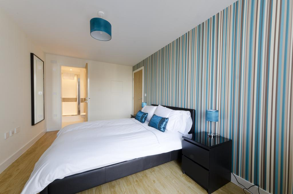 Milton-Keynes-Self-catering-Apartments---South-Vizion-Apartments-Near-The-MK-Shopping-Centre---Urban-Stay-19