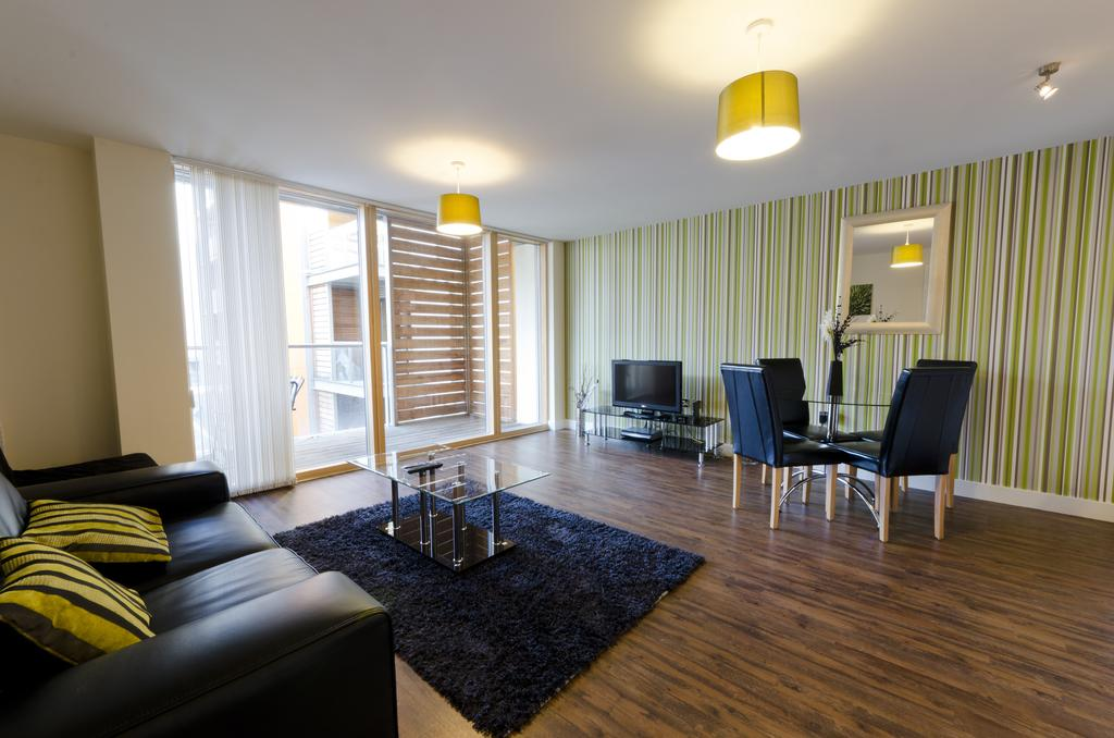 Milton-Keynes-Self-catering-Apartments---South-Vizion-Apartments-Near-The-MK-Shopping-Centre---Urban-Stay-21