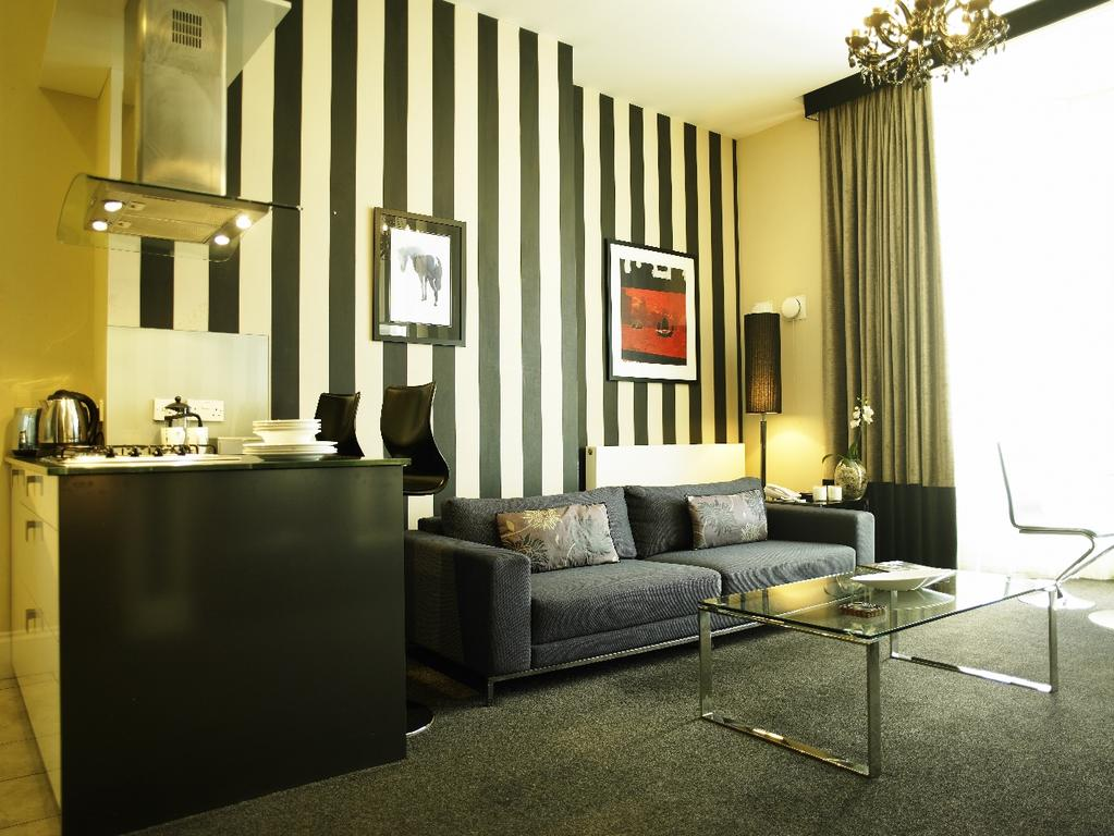 Newcastle-Luxury-Corporate-Apartments---Kensington-House-Apartments-Near-Jesmond-Metro-Station---Urban-Stay-1