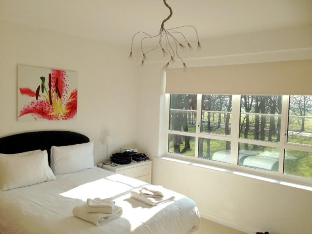 Newcastle-Luxury-Serviced-Apartments---Moor-Court-Apartments-Near-Northumbria-University---Urban-Stay-4