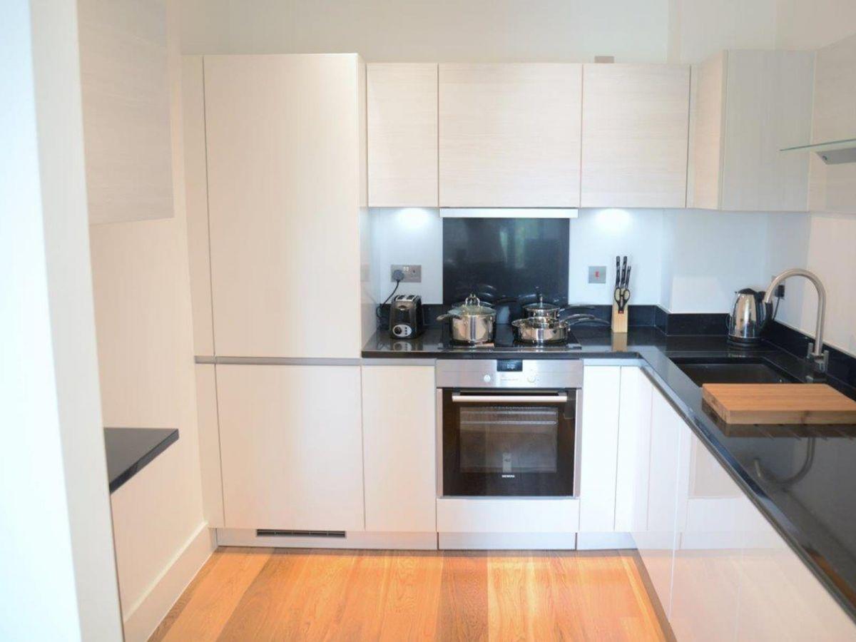 Notting-Hill-Serviced-Accommodation---Portobello-Road-Apartments-Near-Kensington-Palace-10