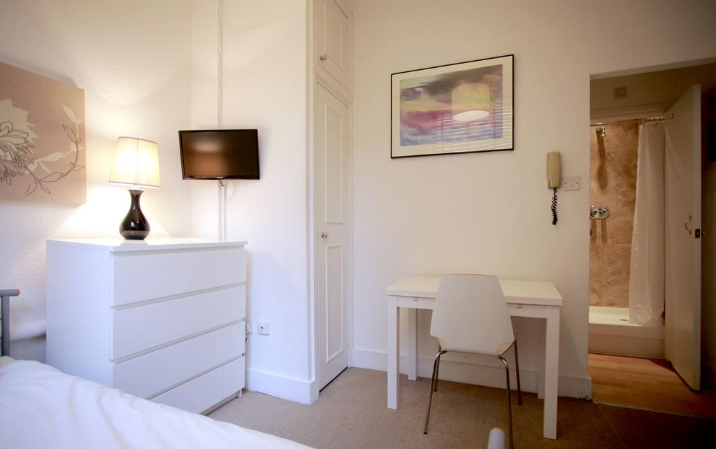 Serviced-Accommodation-Bayswater---Kensington-Gardens-Apartments-Near-Natural-History-Museum--Urban-Stay-11