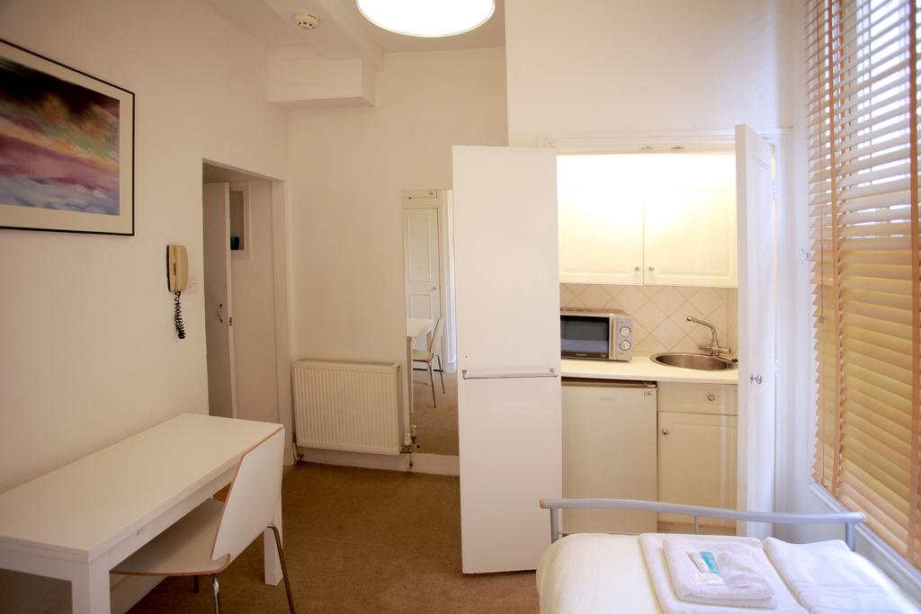Serviced-Accommodation-Bayswater---Kensington-Gardens-Apartments-Near-Natural-History-Museum--Urban-Stay-13
