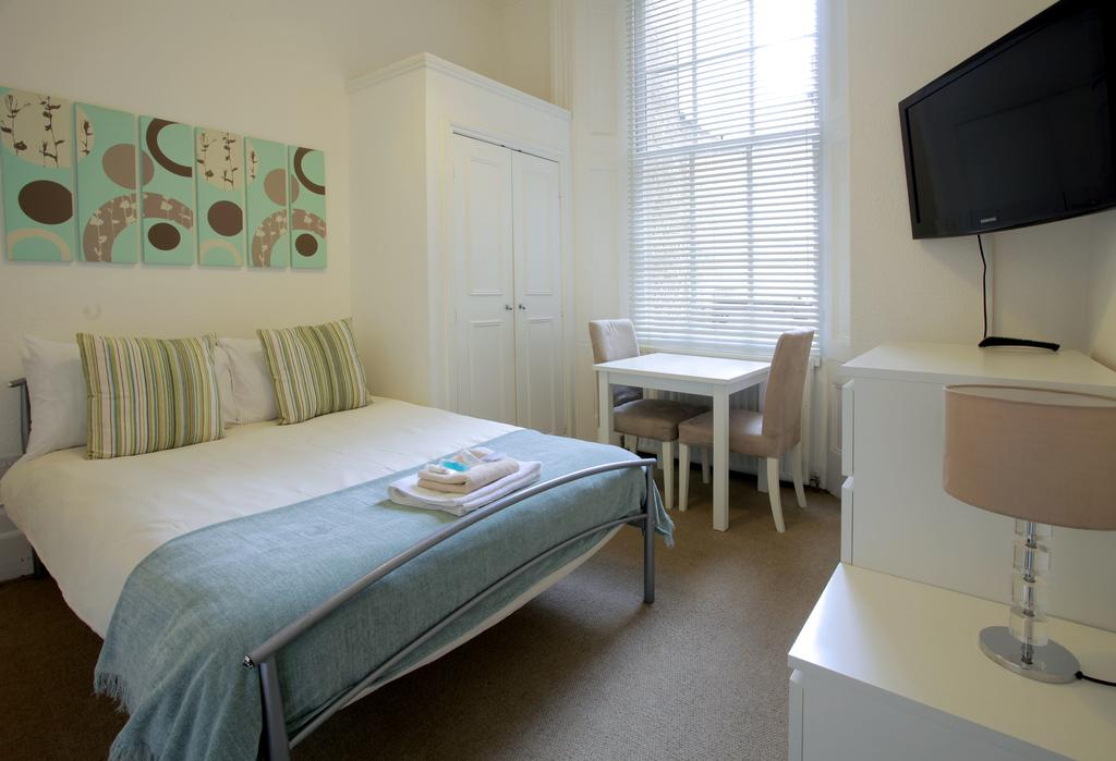 Serviced-Accommodation-Bayswater---Kensington-Gardens-Apartments-Near-Natural-History-Museum--Urban-Stay-14