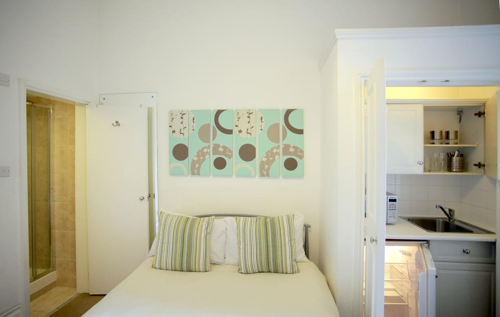 Serviced-Accommodation-Bayswater---Kensington-Gardens-Apartments-Near-Natural-History-Museum--Urban-Stay-15
