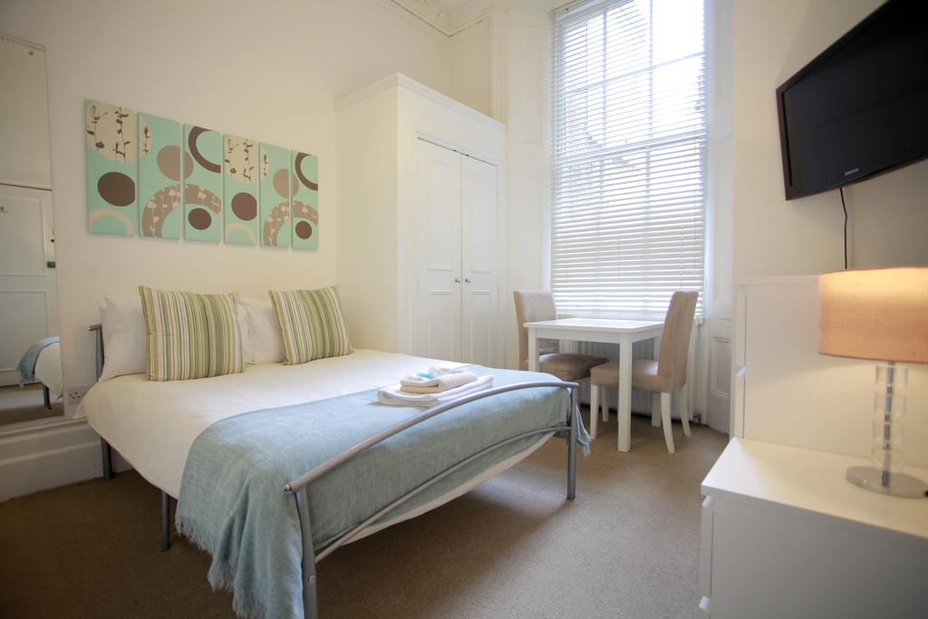 Serviced-Accommodation-Bayswater---Kensington-Gardens-Apartments-Near-Natural-History-Museum--Urban-Stay-16