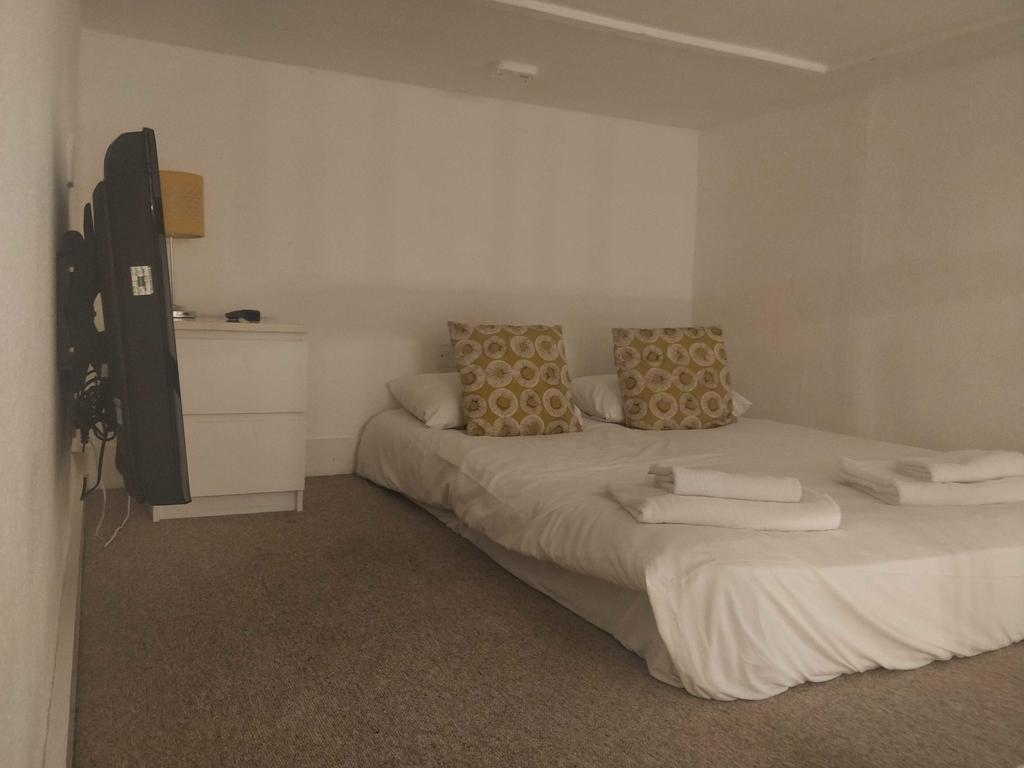Serviced-Accommodation-Bayswater---Kensington-Gardens-Apartments-Near-Natural-History-Museum--Urban-Stay-5