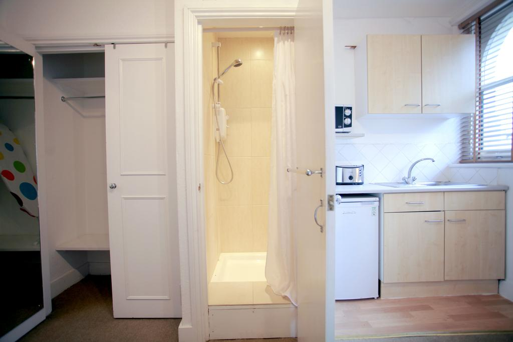 Serviced-Accommodation-Bayswater---Kensington-Gardens-Apartments-Near-Natural-History-Museum--Urban-Stay-6