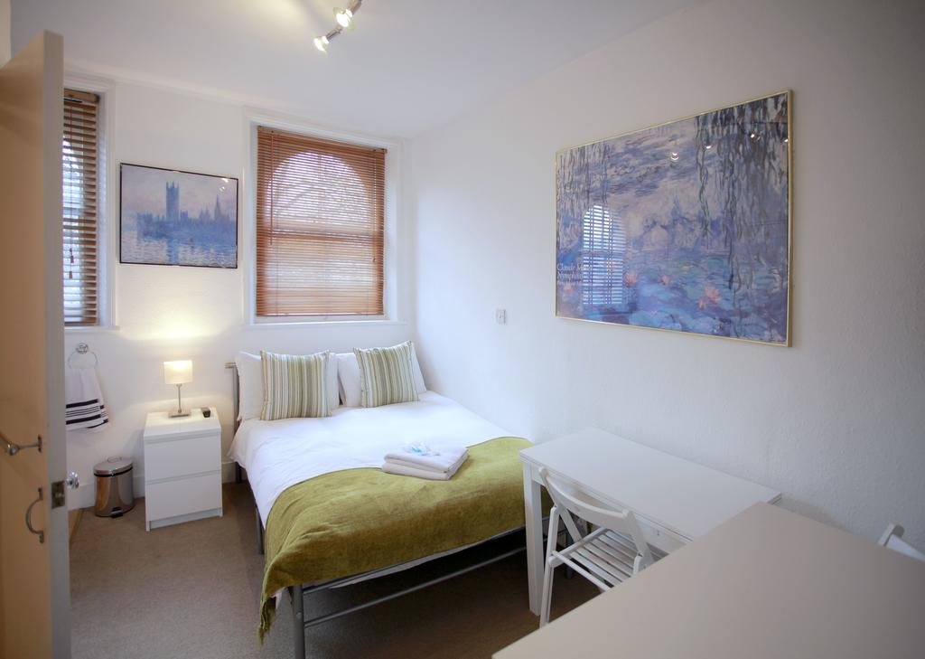 Serviced-Accommodation-Bayswater---Kensington-Gardens-Apartments-Near-Natural-History-Museum--Urban-Stay-8
