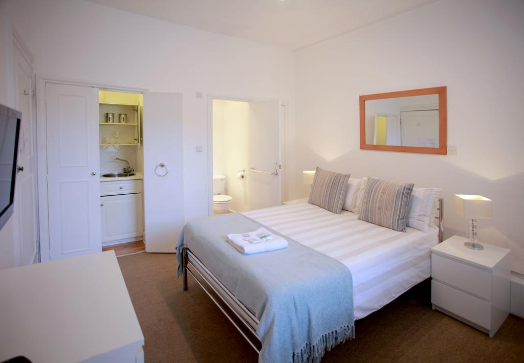 Serviced-Accommodation-Bayswater---Kensington-Gardens-Apartments-Near-Natural-History-Museum--Urban-Stay-9
