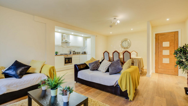 Serviced-Accommodation-Brentford---Mill-Cross-Apartments-Near-Brentford-train-station---Urban-Stay-1
