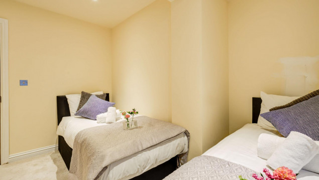 Serviced-Accommodation-Brentford---Mill-Cross-Apartments-Near-Brentford-train-station---Urban-Stay-14