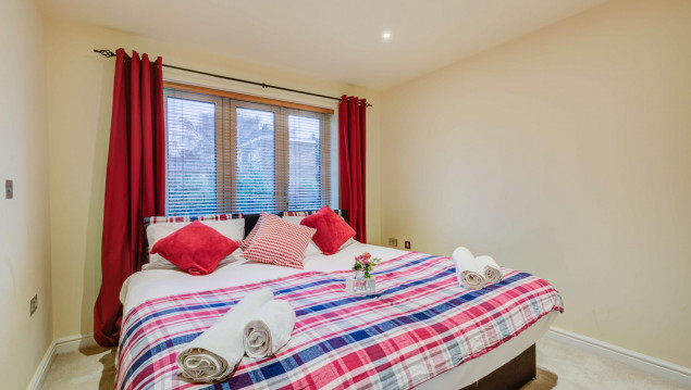 Serviced-Accommodation-Brentford---Mill-Cross-Apartments-Near-Brentford-train-station---Urban-Stay-4