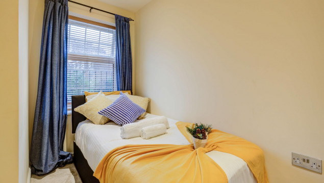 Serviced-Accommodation-Brentford---Mill-Cross-Apartments-Near-Brentford-train-station---Urban-Stay-5