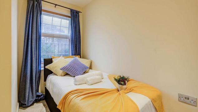 Serviced-Accommodation-Brentford---Mill-Cross-Apartments-Near-Brentford-train-station---Urban-Stay-5