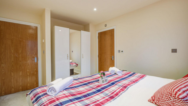 Serviced-Accommodation-Brentford---Mill-Cross-Apartments-Near-Brentford-train-station---Urban-Stay-6