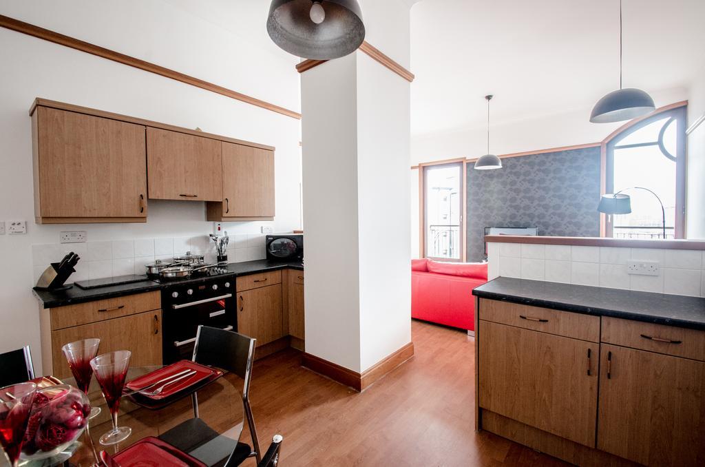 Serviced-Apartments-Aberdeen---Bastille-Apartments-Near-Beach-Ballroom---Urban-stay-6