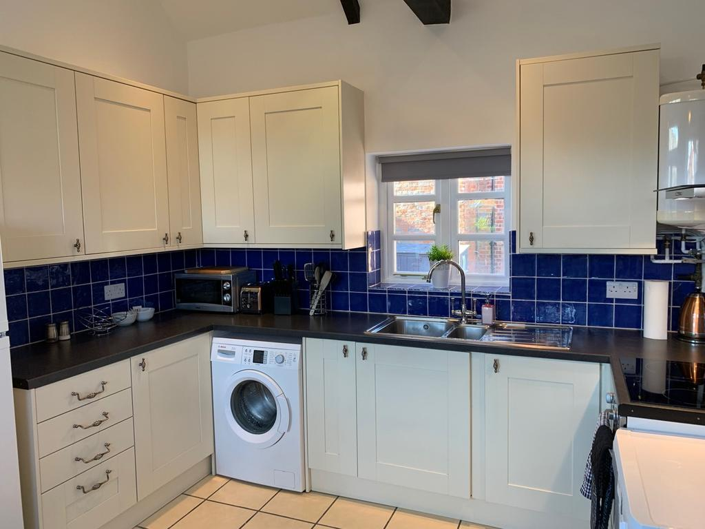 Serviced-Apartments-Didcot---Lewis-Serviced-Apartments-Near-Milton-Manor-House---Urban-Stay-10