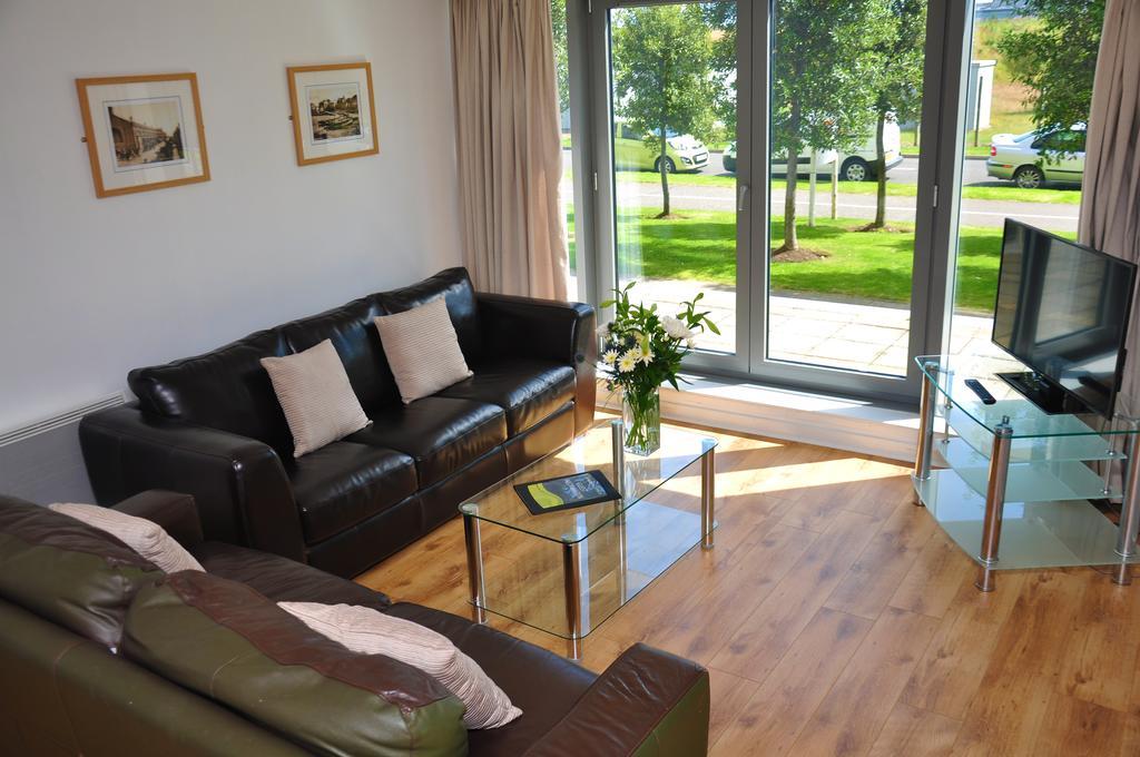 Serviced-Apartments-Edinburgh---Western-Harbour-Apartments-Near-Edinburgh-Castle---Urban-Stay-1