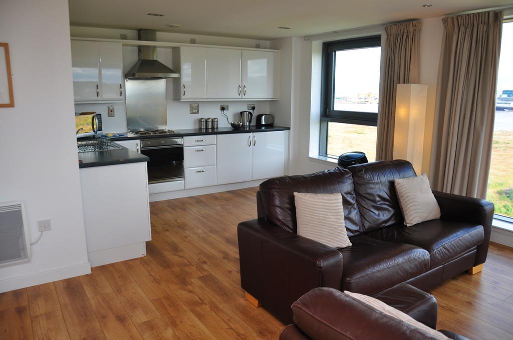 Serviced-Apartments-Edinburgh---Western-Harbour-Apartments-Near-Edinburgh-Castle---Urban-Stay-10