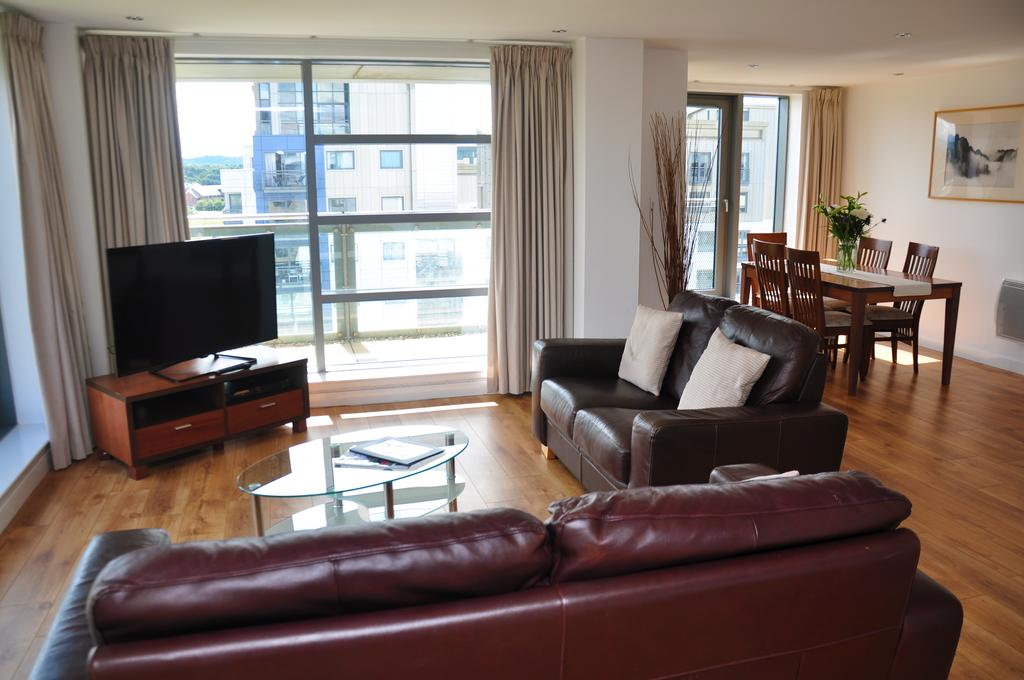 Serviced-Apartments-Edinburgh---Western-Harbour-Apartments-Near-Edinburgh-Castle---Urban-Stay-11
