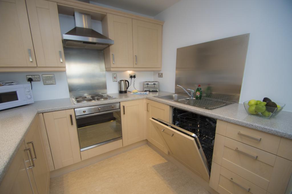 Serviced-Apartments-Edinburgh---Western-Harbour-Apartments-Near-Edinburgh-Castle---Urban-Stay-14