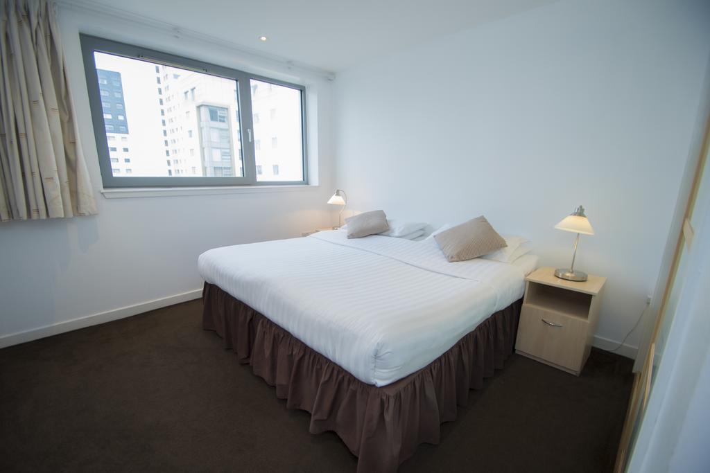Serviced-Apartments-Edinburgh---Western-Harbour-Apartments-Near-Edinburgh-Castle---Urban-Stay-16