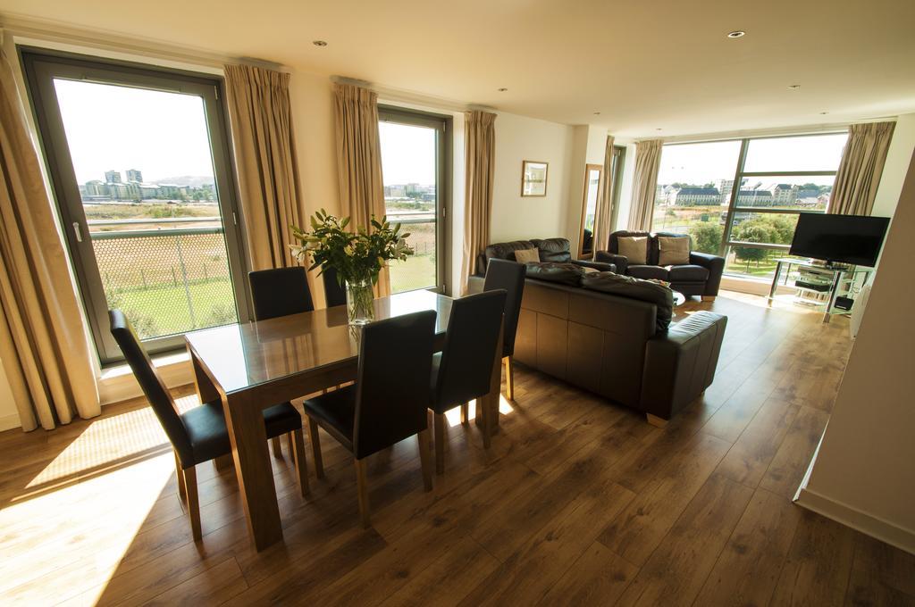 Serviced-Apartments-Edinburgh---Western-Harbour-Apartments-Near-Edinburgh-Castle---Urban-Stay-2