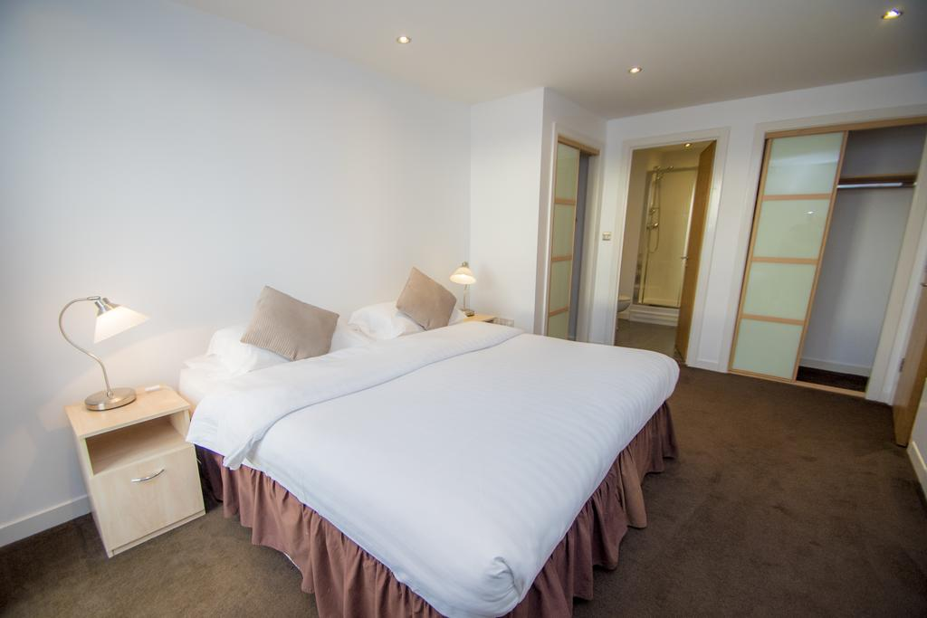 Serviced-Apartments-Edinburgh---Western-Harbour-Apartments-Near-Edinburgh-Castle---Urban-Stay-22