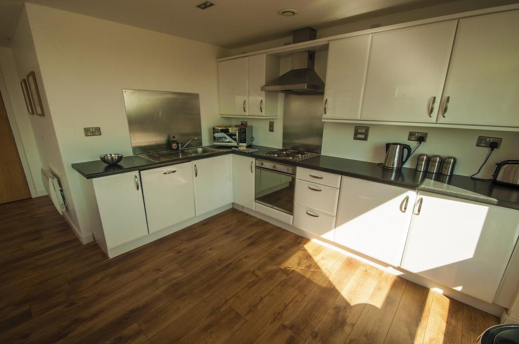 Serviced-Apartments-Edinburgh---Western-Harbour-Apartments-Near-Edinburgh-Castle---Urban-Stay-3