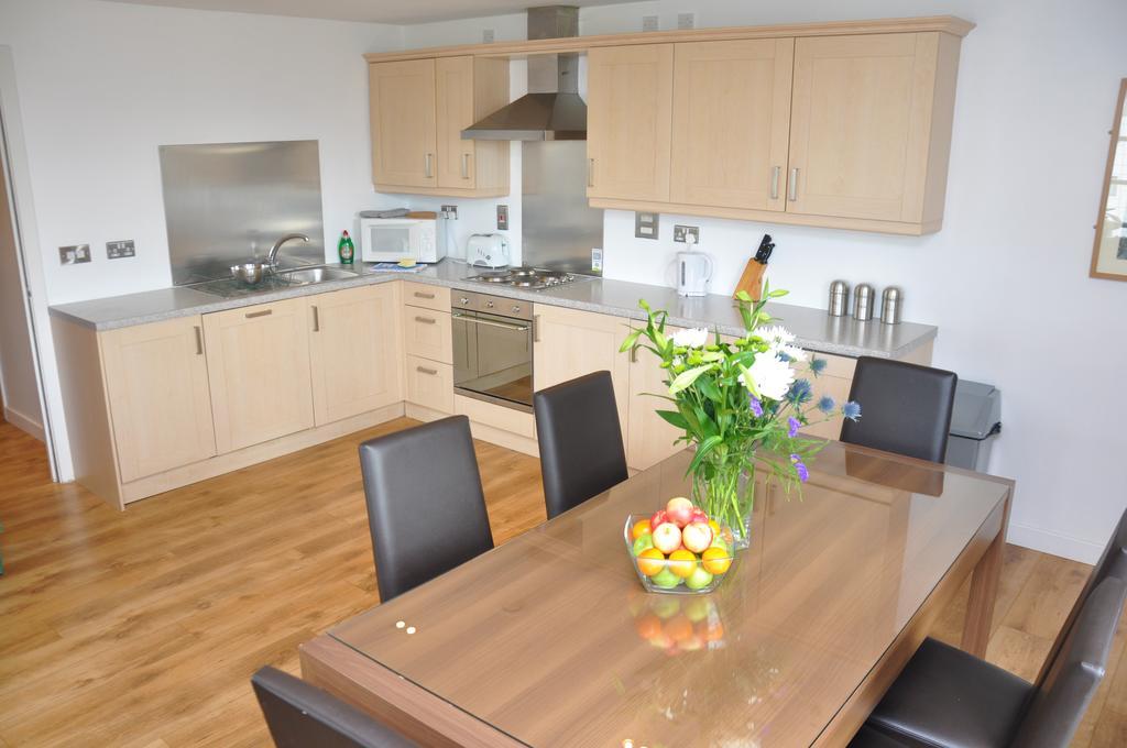 Serviced-Apartments-Edinburgh---Western-Harbour-Apartments-Near-Edinburgh-Castle---Urban-Stay-7