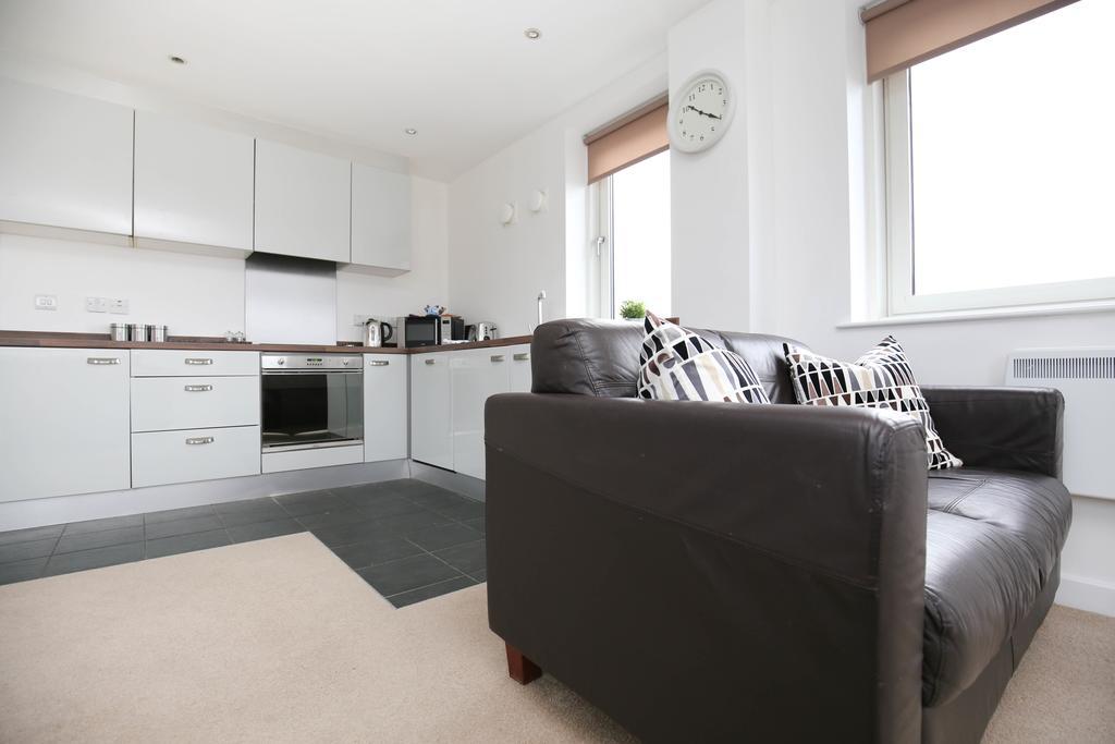 Serviced-Apartments-Newcastle---City-Quadrant-Apartments-Near-Utilita-Arena---Urban-Stay-2
