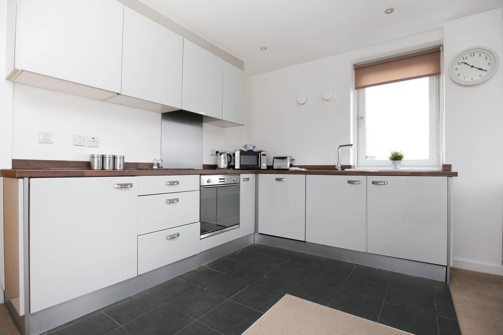 Serviced-Apartments-Newcastle---City-Quadrant-Apartments-Near-Utilita-Arena---Urban-Stay-4